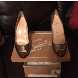 Christian Louboutin Pewter Very Prive pumps